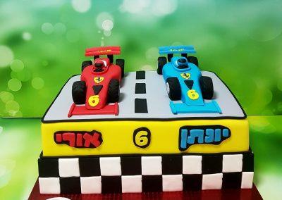 עוגת מכוניות מירוץ
