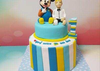 עוגת מיקי מאוס וילד עם גבס