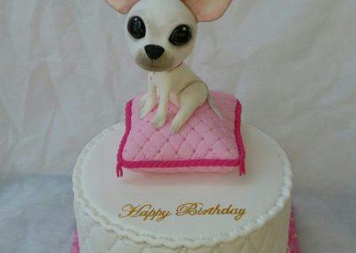 עוגת צ'יוואווה על כרית