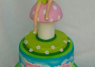 עוגת טינקרבל על פטרייה