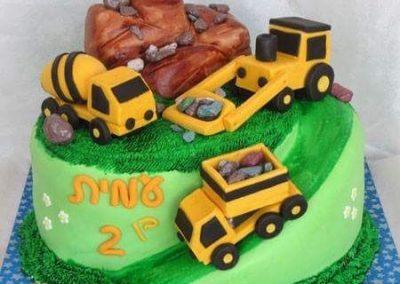 עוגת טרקטור ומשאיות