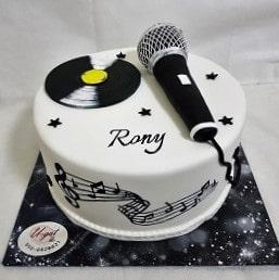 עוגת מיקרופון ותקליט