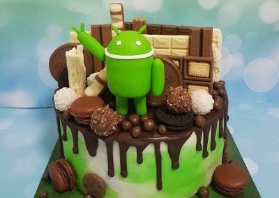 עוגת שוקולדים עם סמל אנדרואיד