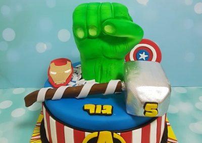 עוגת סימנים של הגיבורים