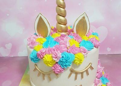 עוגת חד קרן צבעונית