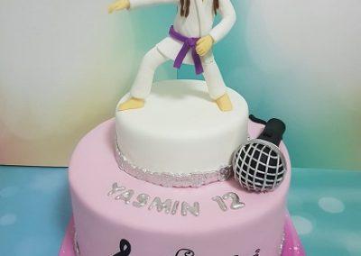 עוגה לילדה שאוהבת ג'ודו ולשיר