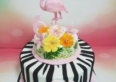 עוגת פלמינגו עם פרחים