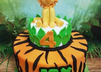 עוגת אריה עם כתר