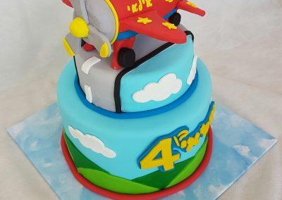 עוגת אווירון צעצוע