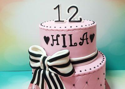 עוגת בת מצווש 12 שחור לבן ורוד