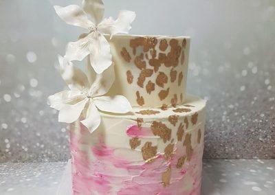 עוגת חתונה נגיעות זהב