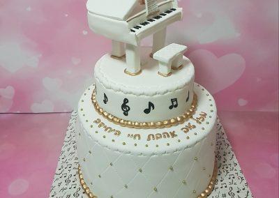 עוגת פסנתר לבן