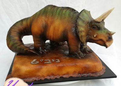עוגת דינוזאור טריצרטופס