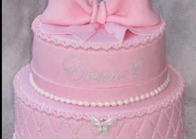 עוגה ורודה וסרט ורוד