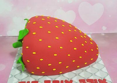 עוגת תות ענק