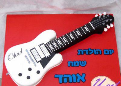 עוגת גיטרה חשמלית
