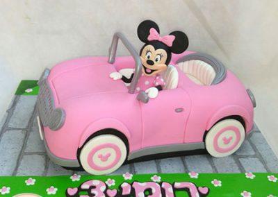 עוגת מינימאוס מכונית